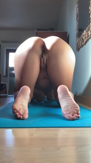Morning yoga - With Actress: kinkycat  [MPEG-4] (2020) [UltraHD/2K 1080x1920]