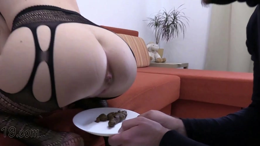 21-year-old Milana dances and pooping close-ups - With Actress: MilanaSmelly [MPEG-4] (2020) [FullHD 1920x1080]